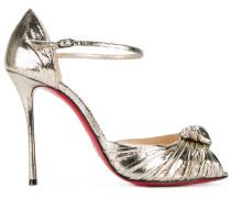 Sandalen mit roter Sohle