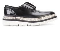 Derby-Schuhe mit Schlangenleder-Effekt