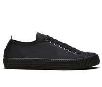 Ridged outsole low-top sneakers