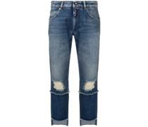 Jeans mit asymmetrischem Saum
