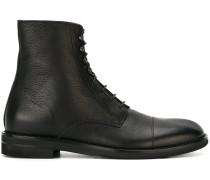 Stiefel mit Schnürung