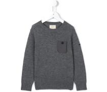 Pullover mit aufgesetzter Tasche