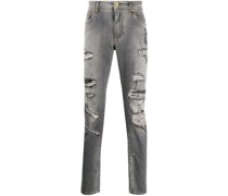 Distressed-Jeans mit Wappen-Patch