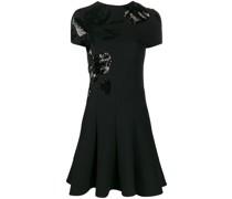 Plissiertes Kleid mit Pailletten