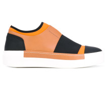 Slip-On-Sneakers mit dicker Sohle