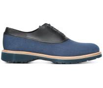Oxford-Schuhe mit Lederdetail