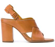 Sandalen mit gekreuzten Riemen - women