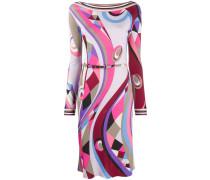 Schmales Kleid mit abstraktem Print