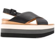 Plateau-Sandalen mit gekreuzten Riemen