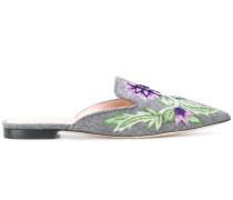 Pantoletten mit floraler Stickerei
