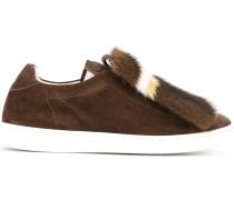 Sneakers mit Fuchspelzdetail