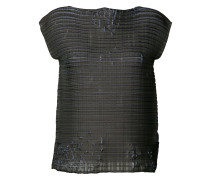 Top mit Distressed-Webmuster