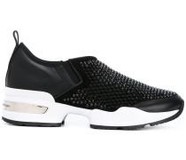 Slip-On-Sneakers mit Nieten