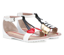 Sandalen mit Applikationen