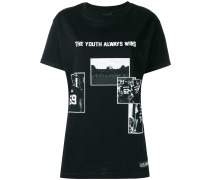 'The Youth Always Wins' T-Shirt - women