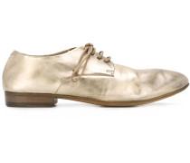 Derby-Schuhe im Metallic-Effekt