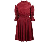 Schulterfreies Kleid aus Ziegenleder