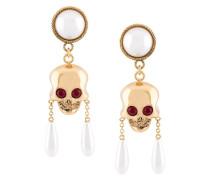 Ohrclips mit Totenkopf und Perlen