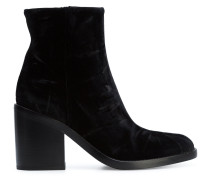 fitted heeled boots