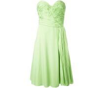 Schulterfreies Kleid mit Raffungen