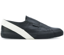 Slip-On-Sneakers mit Besatzstreifen