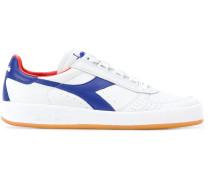 Sneakers mit Schnürun