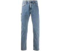 Gerade Jeans mit aufgesetzter Tasche