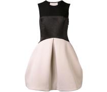Kleid mit semi-transparentem Rücken