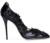 Pumps mit Blumenapplikationen