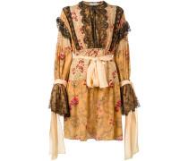 Kleid mit Rüschen