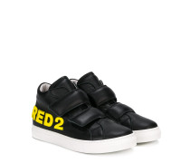 Teen touch strap sneakers