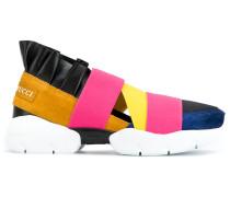 Slip-On-Sneakers mit Elastikbändern