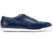Holzer sneakers