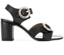 Sandalen mit runder Schnalle