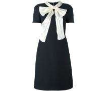 Kleid mit Schleifenkragen - women