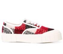 Klassische Sneakers mit Karomuster
