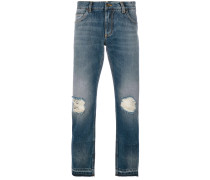 distressed slimfit jeans