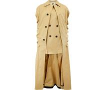 Mantel mit dekorativen Knöpfen