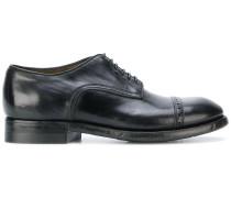 Derby-Schuhe mit Verzierungen