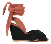 Sandalen mit Kontrasteinsatz