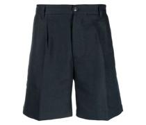 Klassische Shorts mit Falten