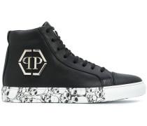 High-Top-Sneakers mit Totenköpfen