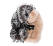 Kontrastierender Schal