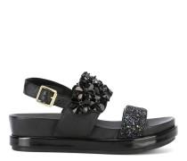 Sandalen mit Verzierungen - women