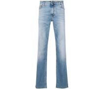 Jeans mit aufgesticktem Teddybären