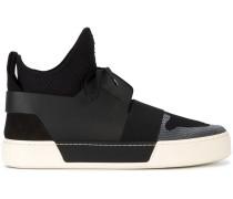 High-Top-Sneakers in Netzoptik