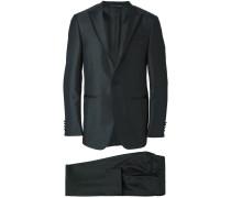 Anzug aus zwei Teilen