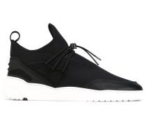 Sneakers mit weißer Sohle