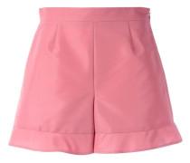 Shorts mit ausgestelltem Saum