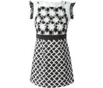 Kleid mit floraler Häkelspitze